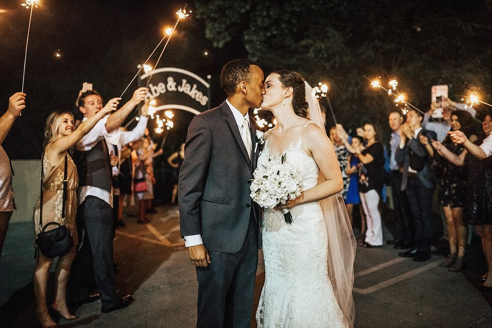 oahu-hawaii-destination-wedding-photographer-174.jpg