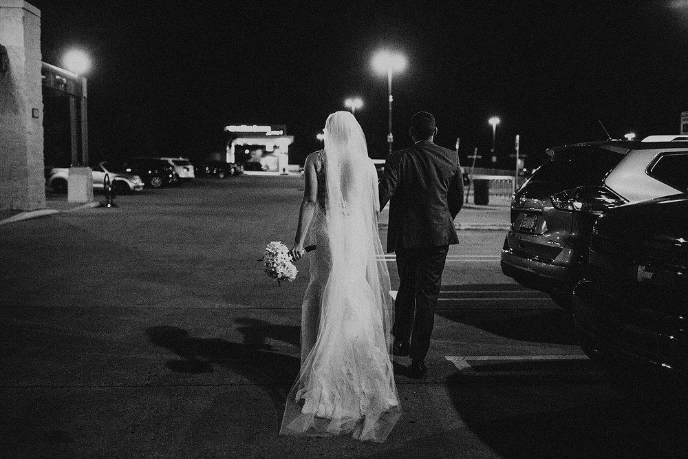 oahu-hawaii-destination-wedding-photographer-175.jpg