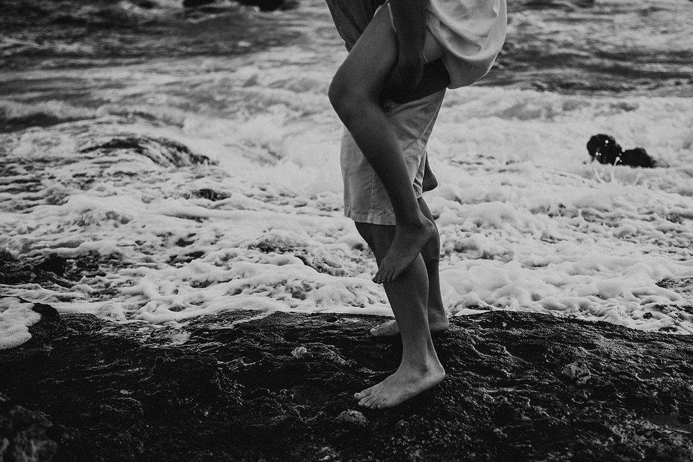 oahu-hawaii-adventurous-coastal-engagement-session-4.jpg