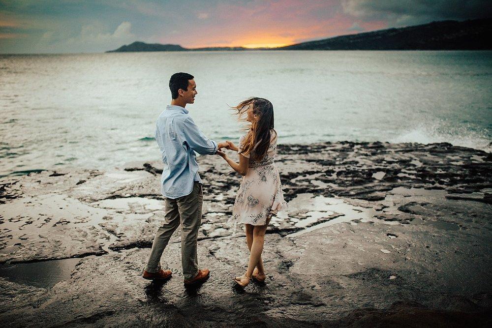 oahu-hawaii-adventurous-coastal-engagement-session-27.jpg