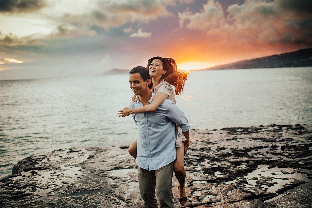 oahu-hawaii-adventurous-coastal-engagement-session-31.jpg