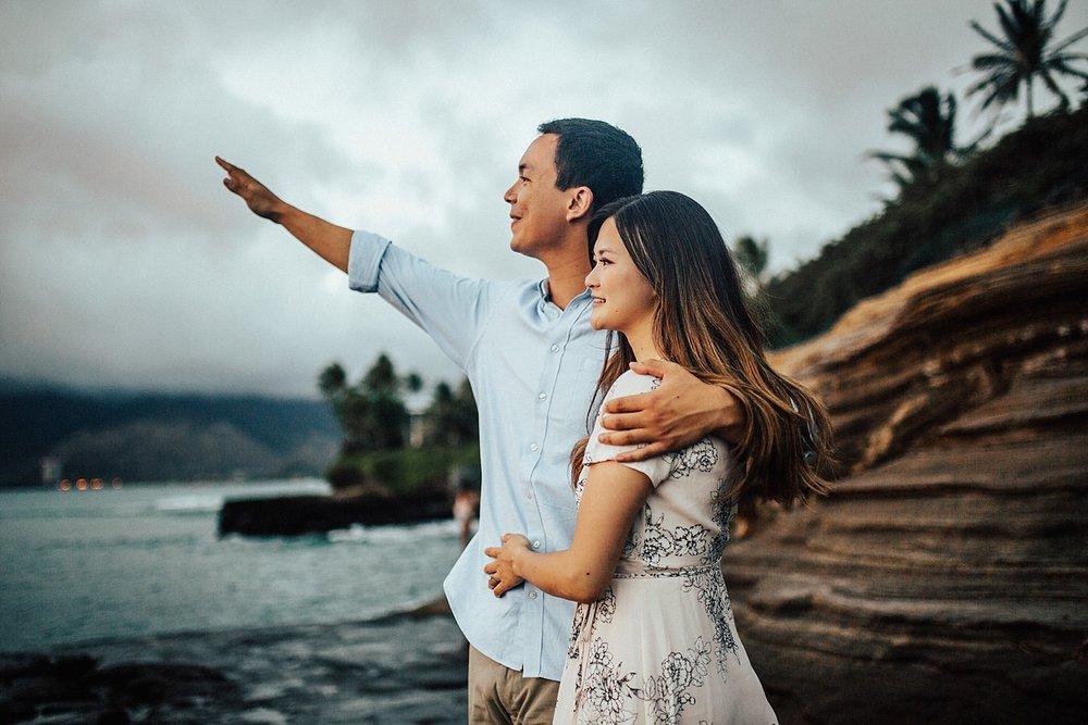 oahu-hawaii-adventurous-coastal-engagement-session-32.jpg