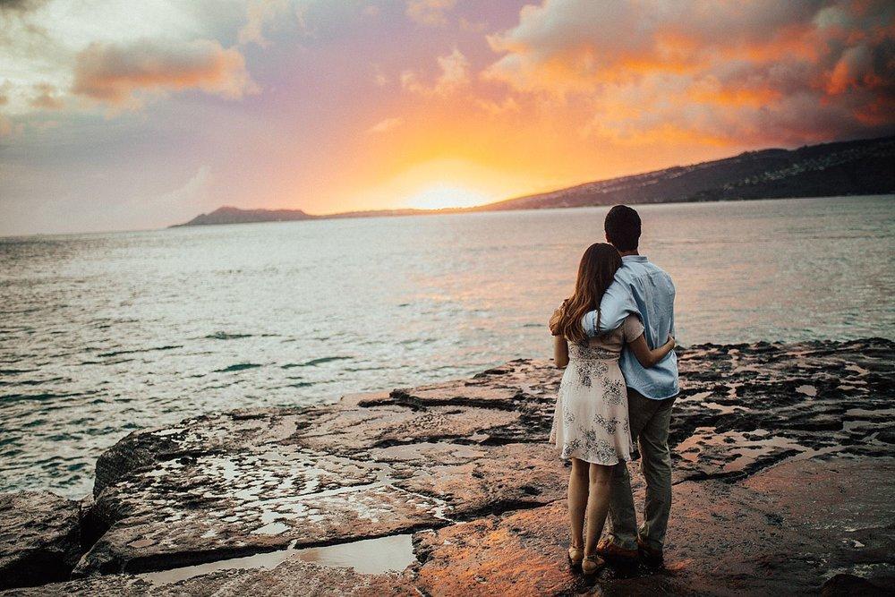 oahu-hawaii-adventurous-coastal-engagement-session-33.jpg