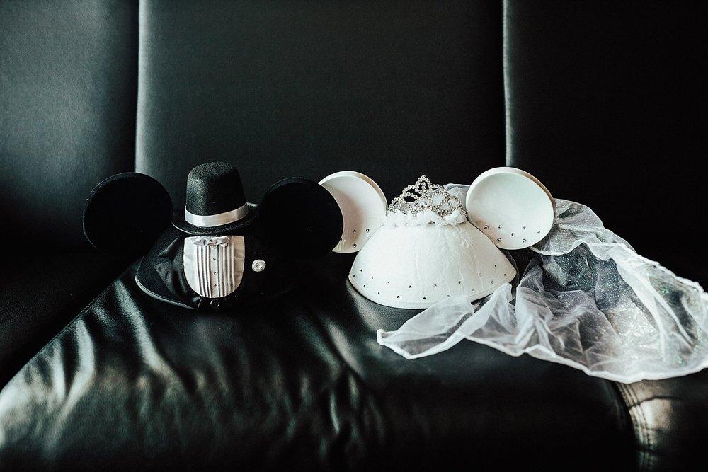 rock-and-roll-dark-romantic-wedding-26.jpg