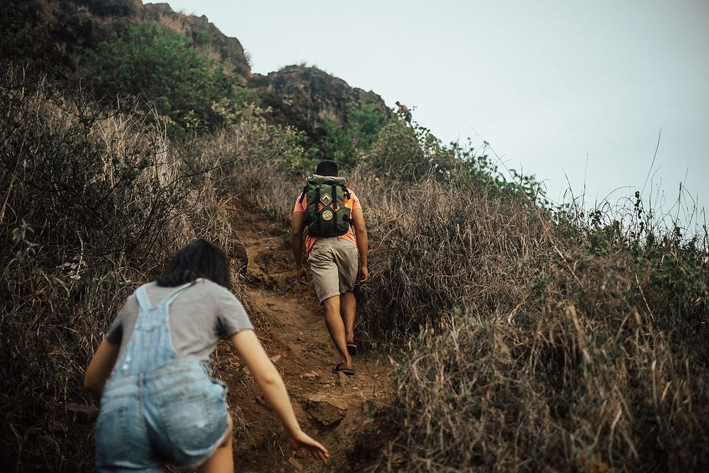adventurous-destination-oahu-couple-photographer-10.jpg