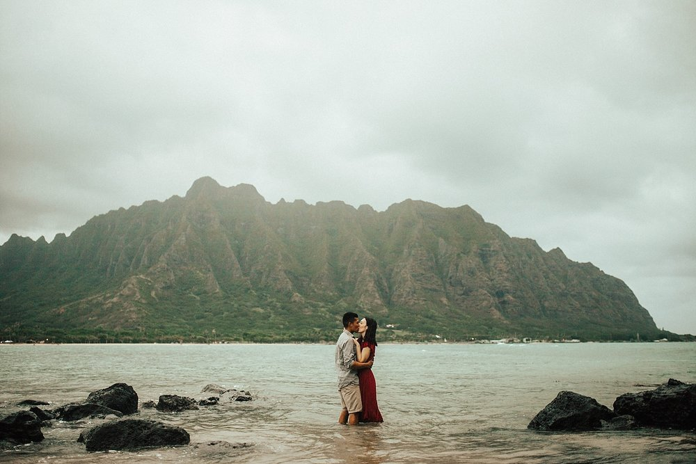 adventurous-destination-oahu-couple-photographer-35.jpg