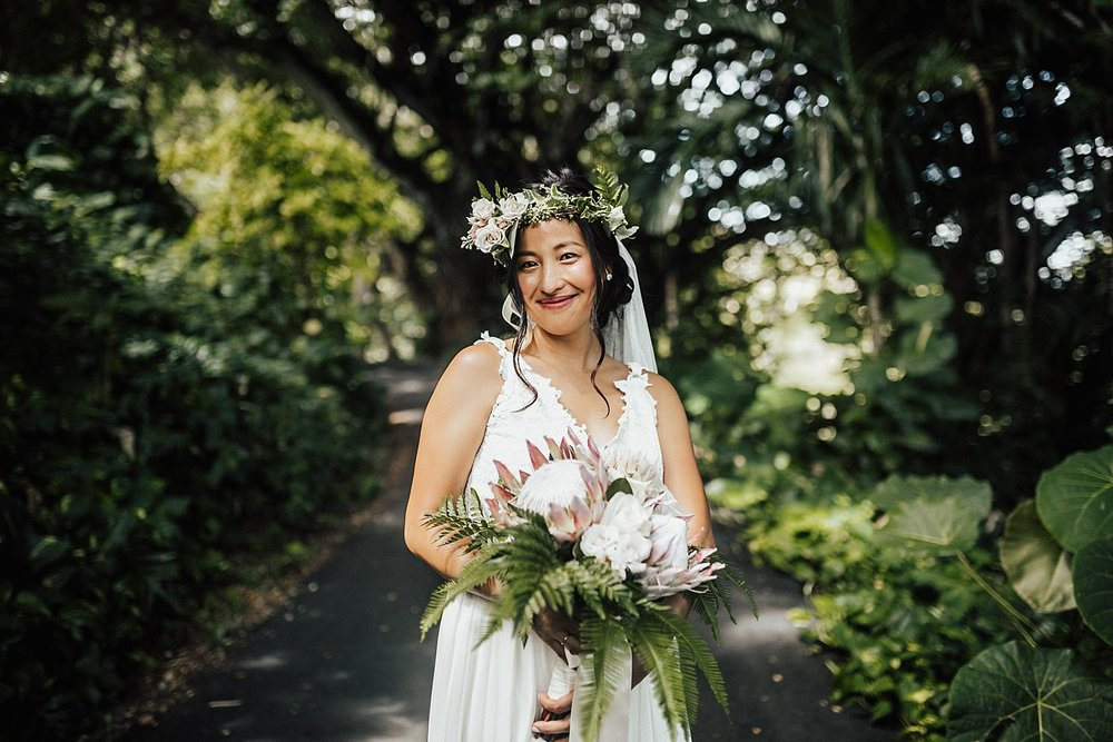 intimate-adventurous-oahu-hawaii-elopement-photographer-41.jpg