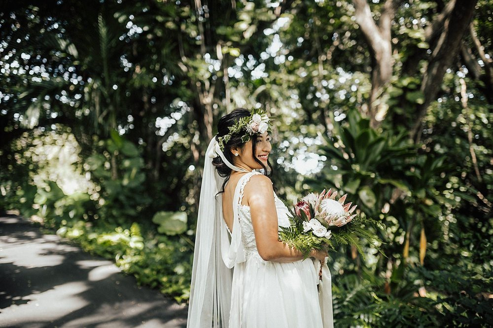 intimate-adventurous-oahu-hawaii-elopement-photographer-43.jpg