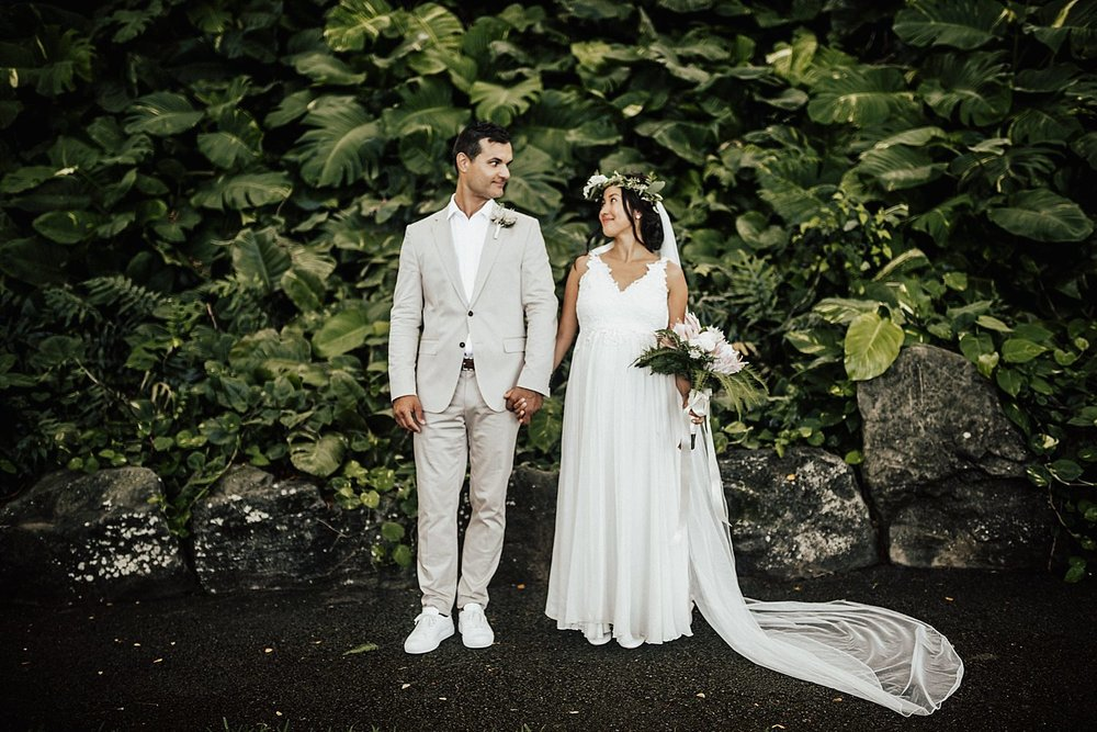 intimate-adventurous-oahu-hawaii-elopement-photographer-76.jpg