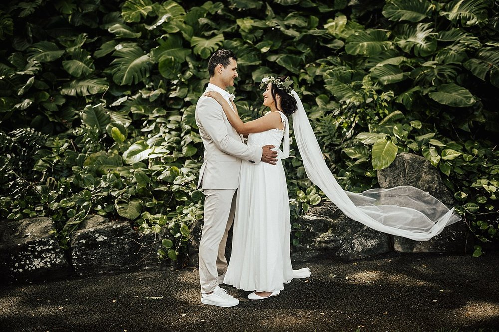 intimate-adventurous-oahu-hawaii-elopement-photographer-79.jpg