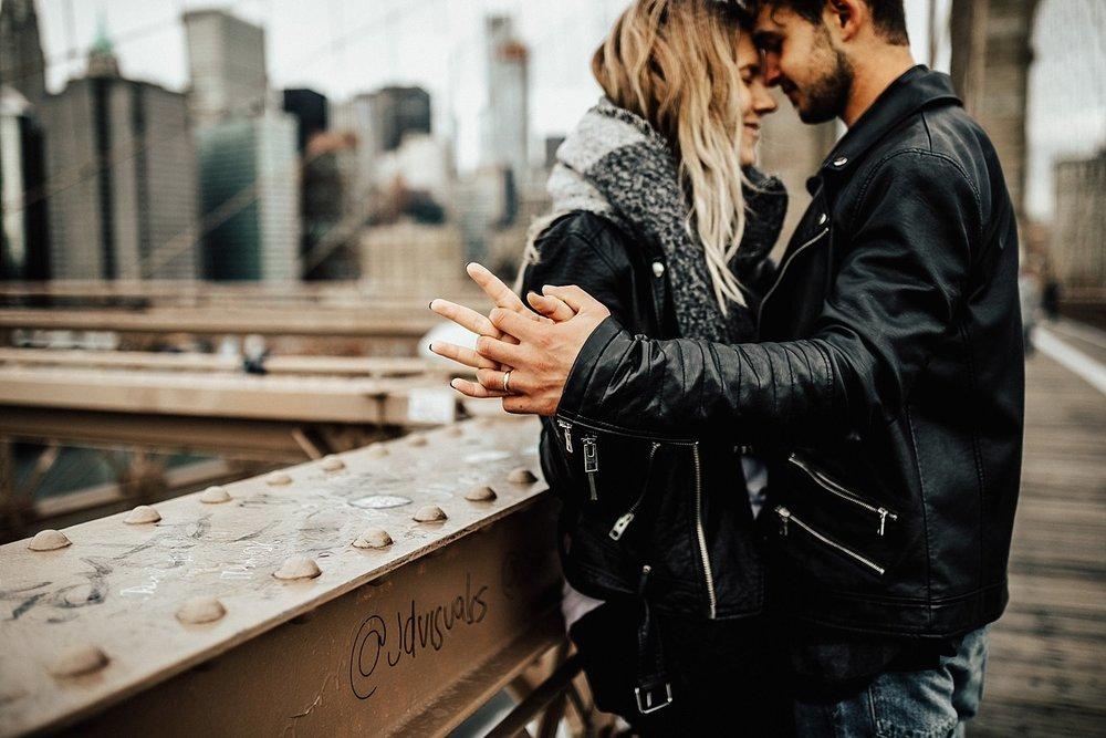 brooklyn-bridge-new-york-city-couple-session-45.jpg
