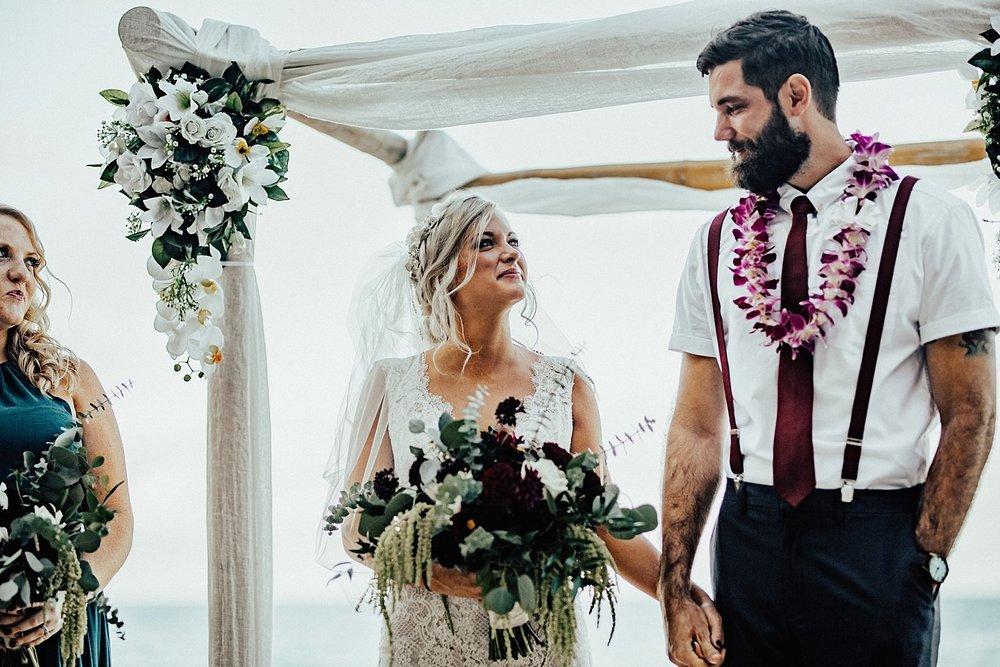 hawaii-destination-intimate-elopement-photographer_0012.jpg