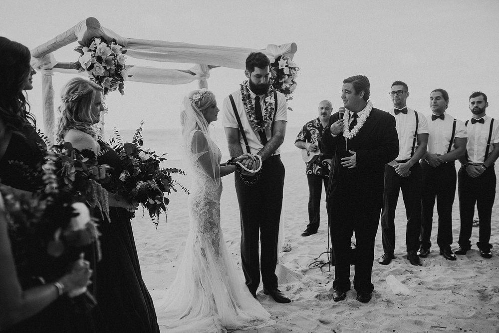 hawaii-destination-intimate-elopement-photographer_0033.jpg