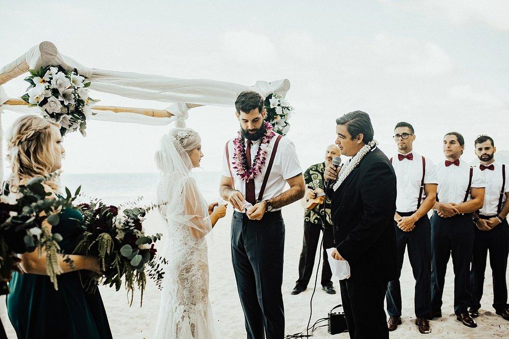 hawaii-destination-intimate-elopement-photographer_0036.jpg