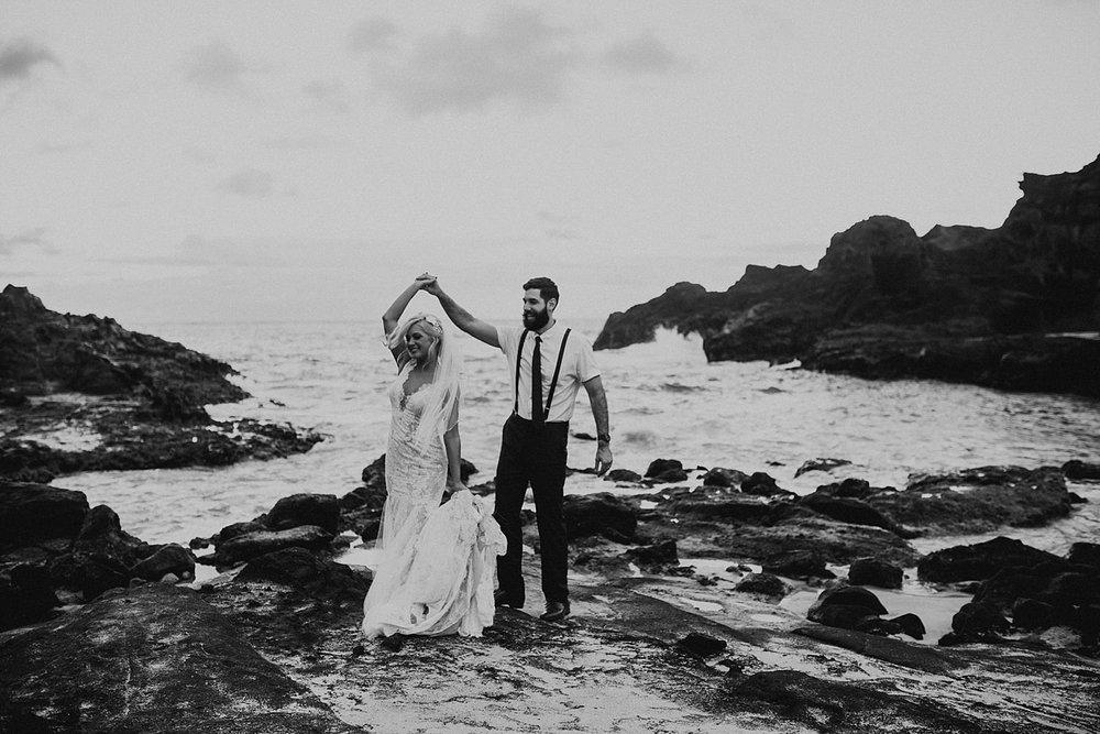 hawaii-destination-intimate-elopement-photographer_0070.jpg