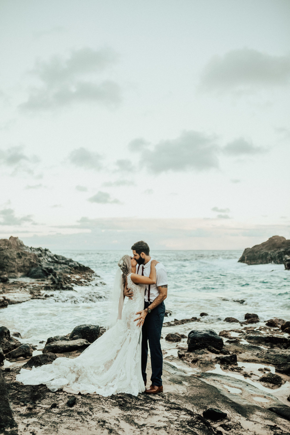 Oahu Hawaii Wedding Photographer