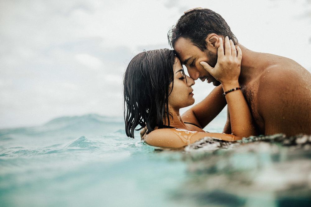 kauai-hawaii-destination-wedding-photographer-1.jpg
