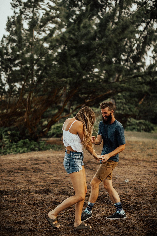 oahu-hawaii-adventurous-destination-intimate-wedding-photographer