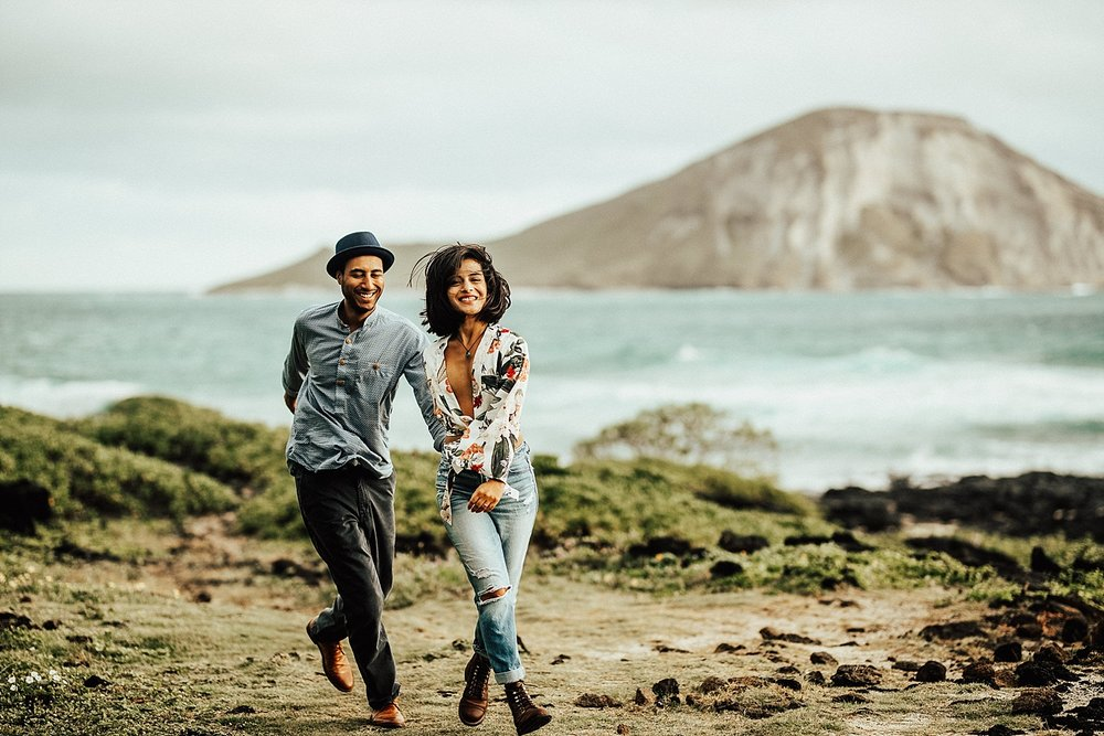 oahu-hawaii-adventurous-destination-intimate-elopement-photographer-lindsey-roman-19.jpg