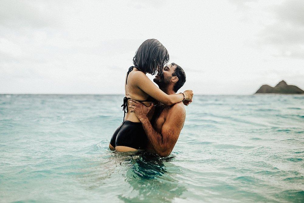 oahu-hawaii-adventurous-destination-intimate-elopement-photographer-lindsey-roman-34.jpg