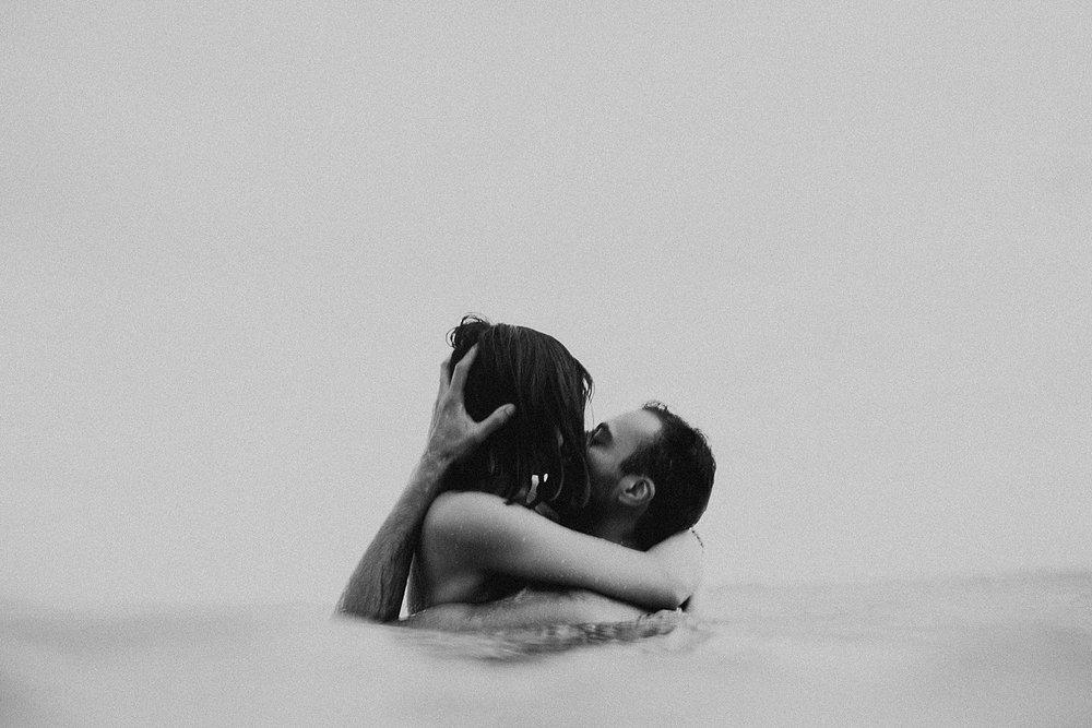 oahu-hawaii-adventurous-destination-intimate-elopement-photographer-lindsey-roman-36.jpg