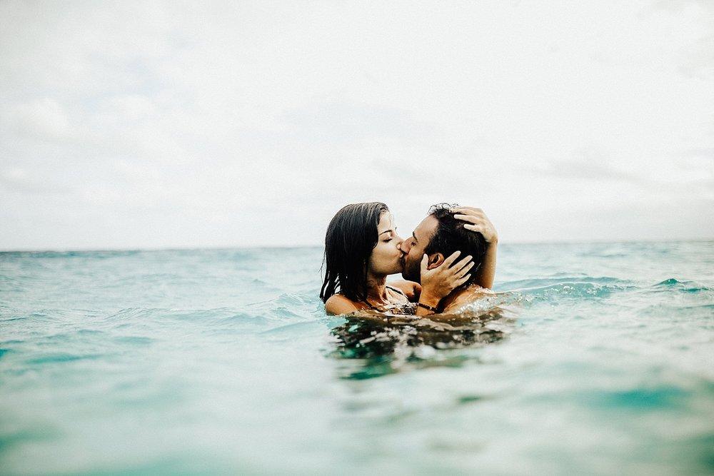 oahu-hawaii-adventurous-destination-intimate-elopement-photographer-lindsey-roman-39.jpg