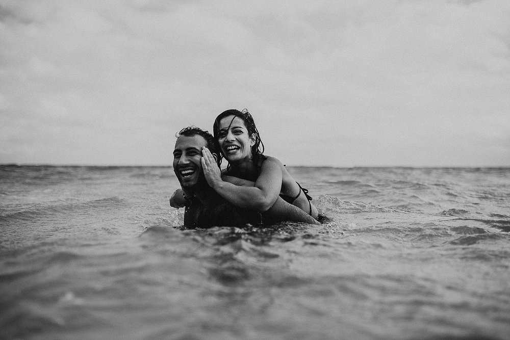 oahu-hawaii-adventurous-destination-intimate-elopement-photographer-lindsey-roman-44.jpg