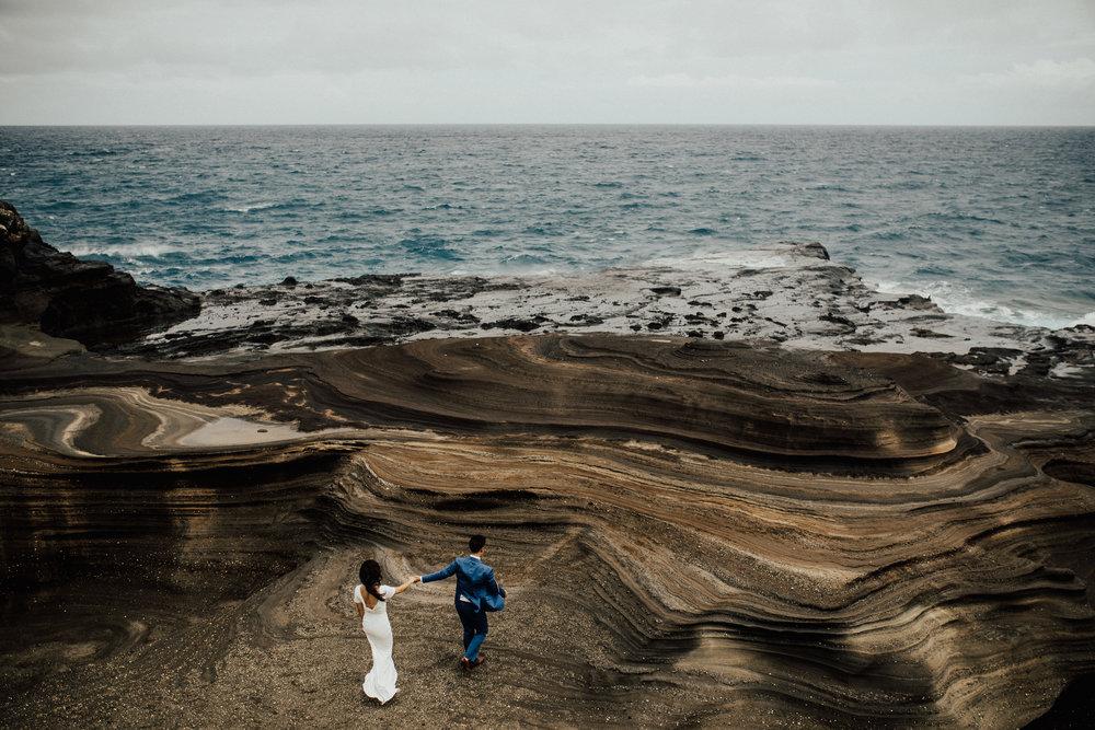 hawaii-based-destination-wedding-photographer-intimate-elopement-maui-lindsey-roman.jpg