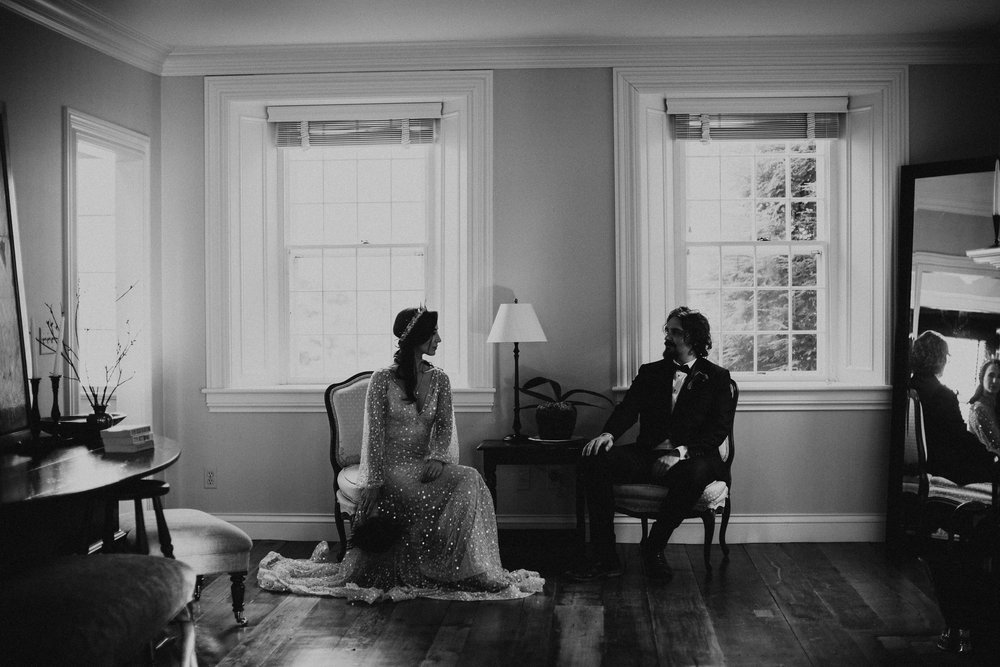 elegant-dark-goth-estate-mansion-wedding-new-england-vermont