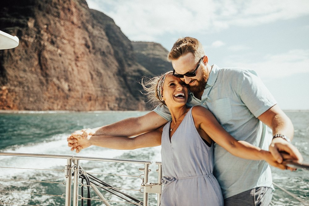 kauai-hawaii-napali-coast-couple-session-jordan-lee-dooley-soul-scripts-lindsey-roman-destination-elopement-photographer-5.jpg