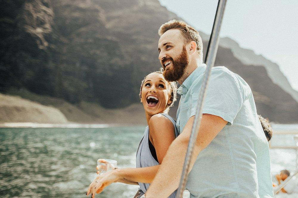 kauai-hawaii-napali-coast-couple-session-jordan-lee-dooley-soul-scripts-lindsey-roman-destination-elopement-photographer-7.jpg