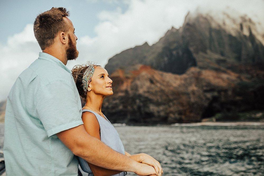 kauai-hawaii-napali-coast-couple-session-jordan-lee-dooley-soul-scripts-lindsey-roman-destination-elopement-photographer-13.jpg