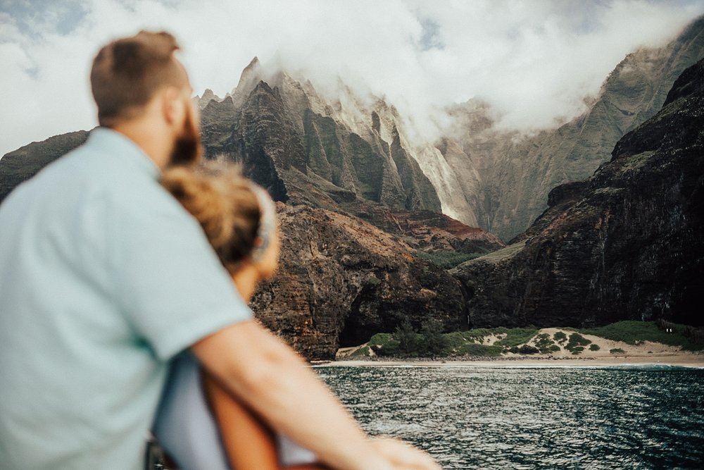 kauai-hawaii-napali-coast-couple-session-jordan-lee-dooley-soul-scripts-lindsey-roman-destination-elopement-photographer-14.jpg