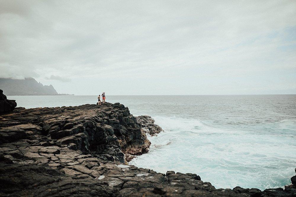 kauai-hawaii-napali-coast-couple-session-jordan-lee-dooley-soul-scripts-lindsey-roman-destination-elopement-photographer-30.jpg