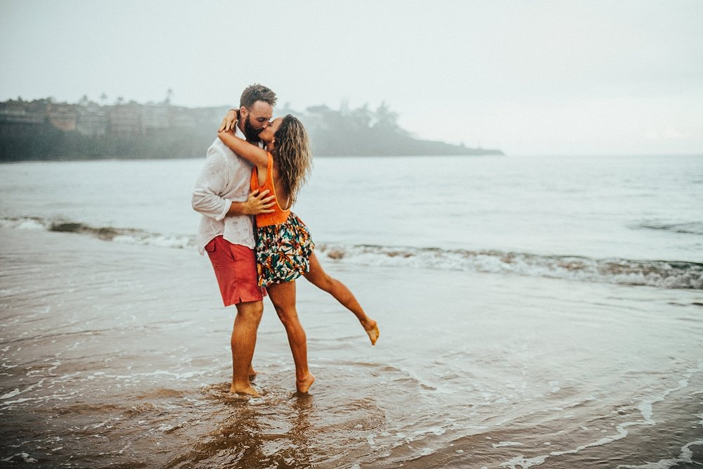 kauai-hawaii-napali-coast-couple-session-jordan-lee-dooley-soul-scripts-lindsey-roman-destination-elopement-photographer-38.jpg