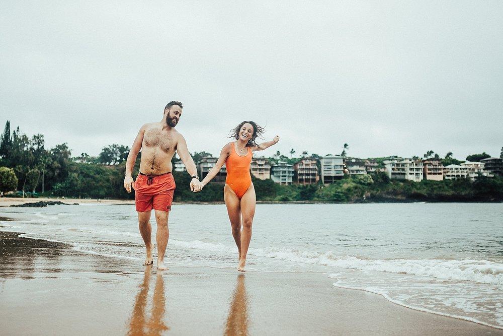 kauai-hawaii-napali-coast-couple-session-jordan-lee-dooley-soul-scripts-lindsey-roman-destination-elopement-photographer-39.jpg