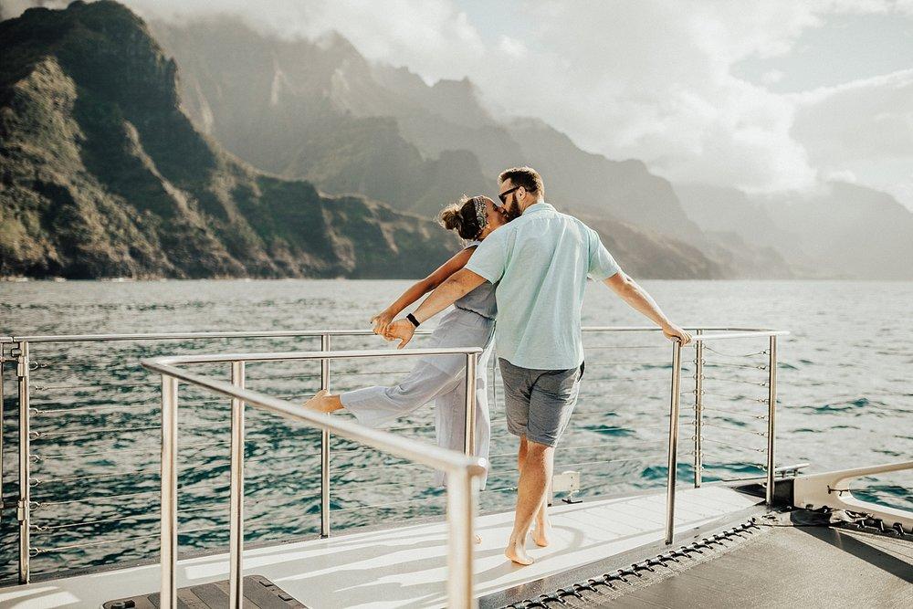 kauai-hawaii-napali-coast-couple-session-jordan-lee-dooley-soul-scripts-lindsey-roman-destination-elopement-photographer-53.jpg