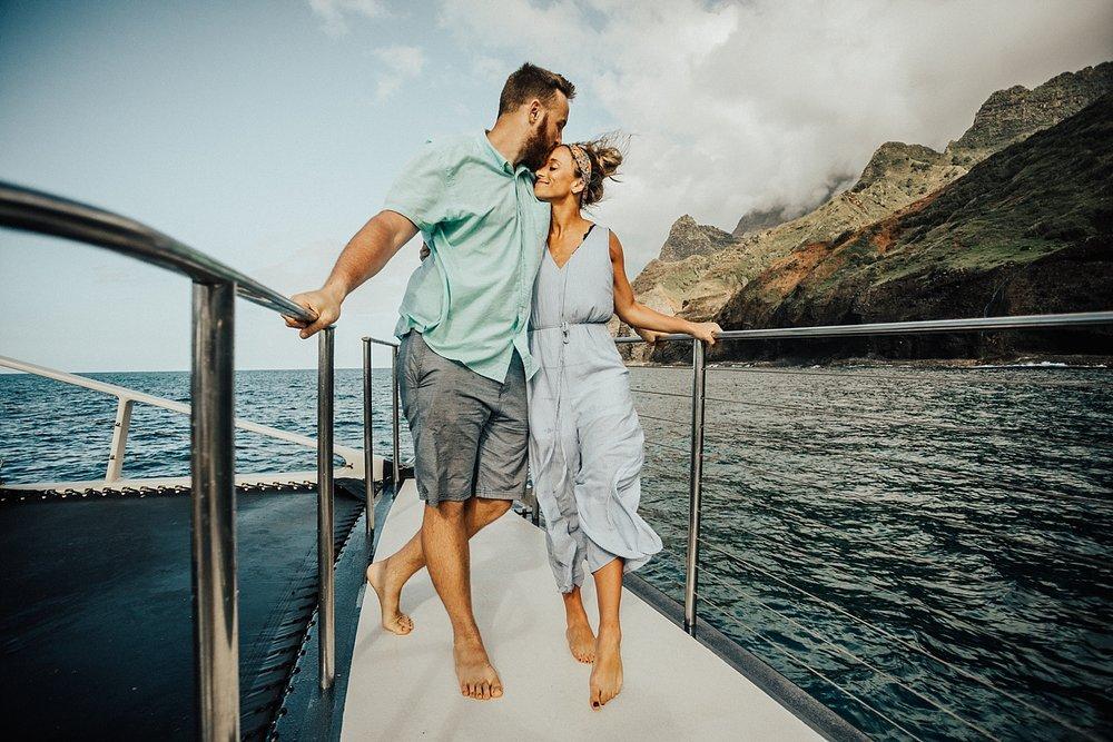 kauai-hawaii-napali-coast-couple-session-jordan-lee-dooley-soul-scripts-lindsey-roman-destination-elopement-photographer-54.jpg