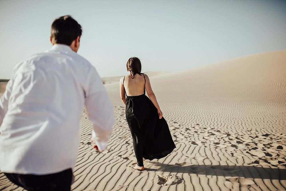 lindsey-roman-sand-dune-anniversary-session-adventurous-destination-elopement-photographer-3.jpg