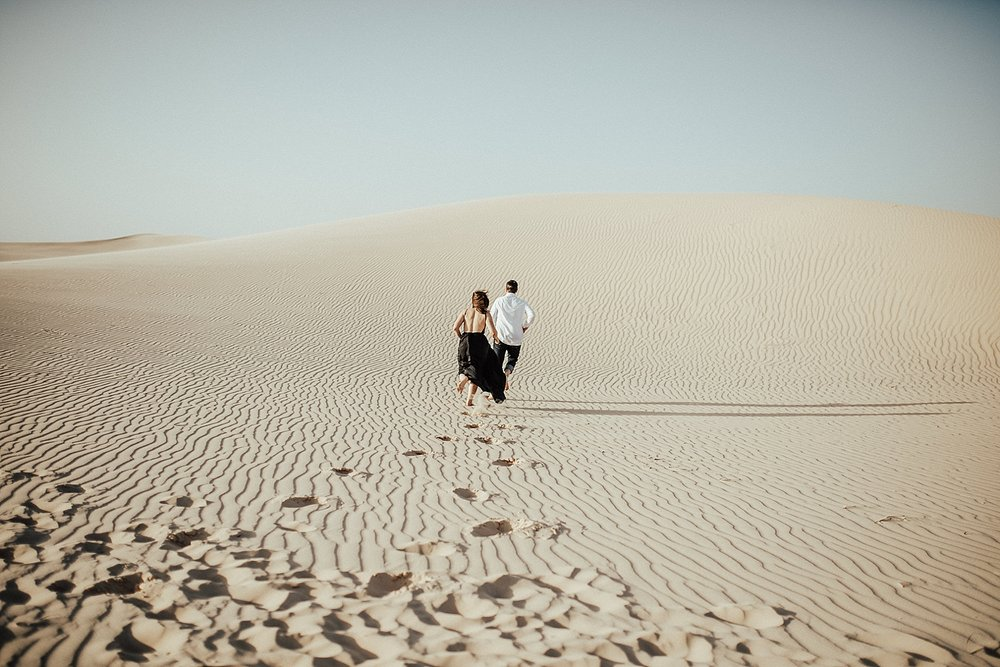 lindsey-roman-sand-dune-anniversary-session-adventurous-destination-elopement-photographer-5.jpg