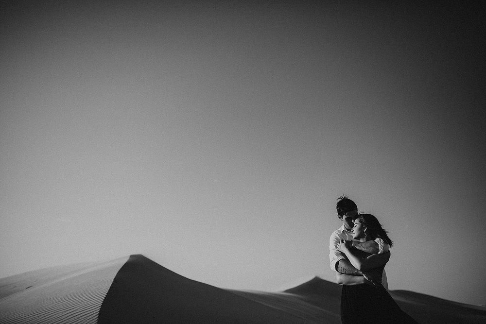 lindsey-roman-sand-dune-anniversary-session-adventurous-destination-elopement-photographer-7.jpg