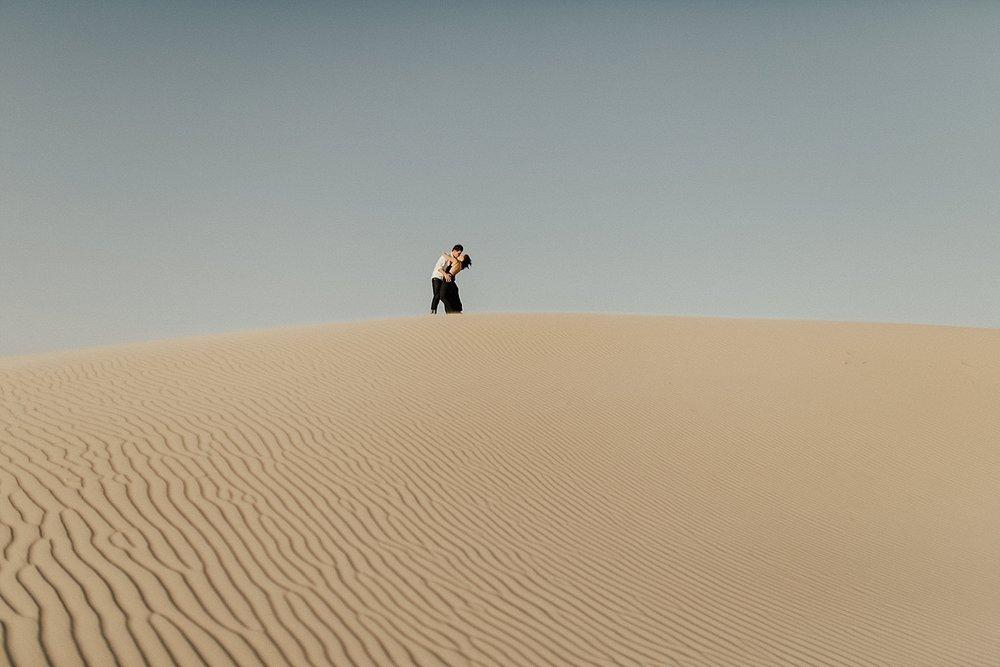 lindsey-roman-sand-dune-anniversary-session-adventurous-destination-elopement-photographer-13.jpg