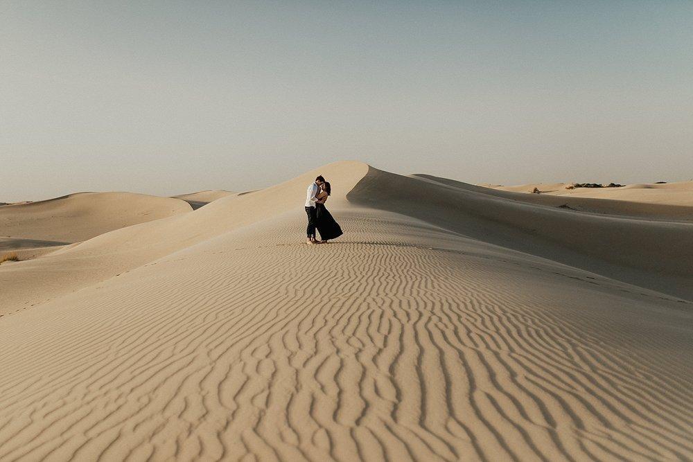 lindsey-roman-sand-dune-anniversary-session-adventurous-destination-elopement-photographer-20.jpg