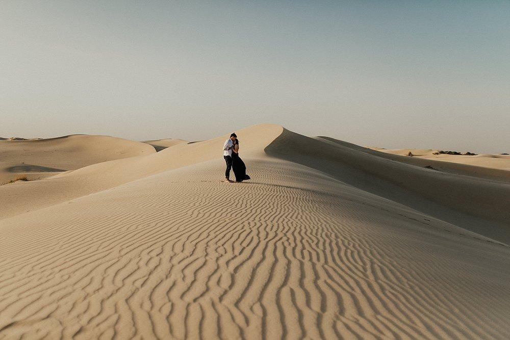 lindsey-roman-sand-dune-anniversary-session-adventurous-destination-elopement-photographer-22.jpg