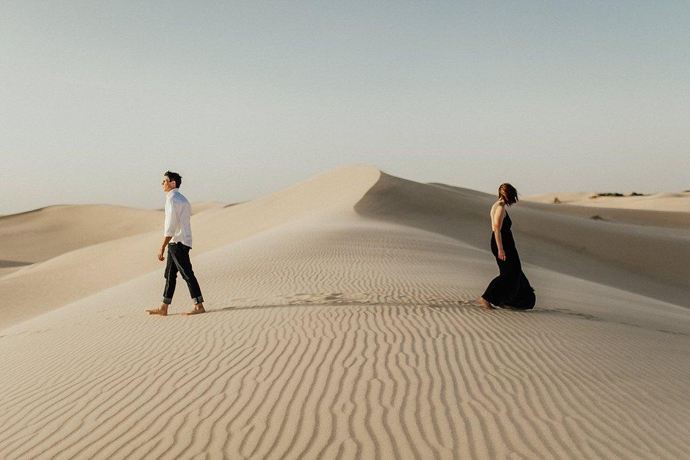 lindsey-roman-sand-dune-anniversary-session-adventurous-destination-elopement-photographer-23.jpg