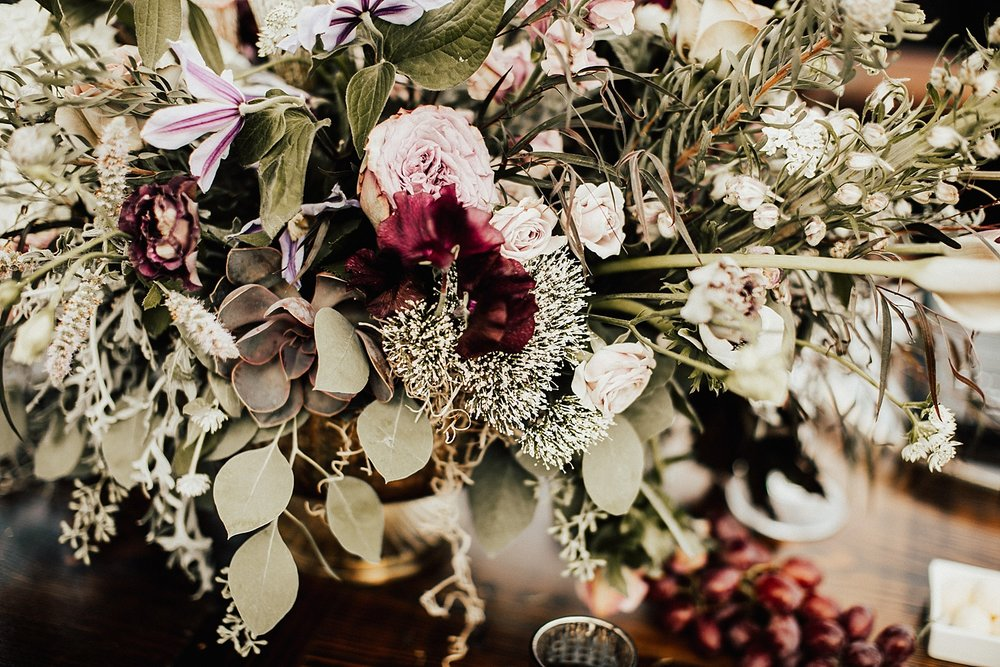 east-coast-woodstock-vermont-dark-gothic-untraditional-enchanted-forest-wedding-inspiration-lindsey-roman-photography-4.jpg