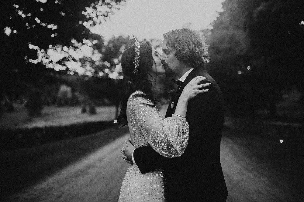 east-coast-woodstock-vermont-dark-gothic-untraditional-enchanted-forest-wedding-inspiration-lindsey-roman-photography-73.jpg