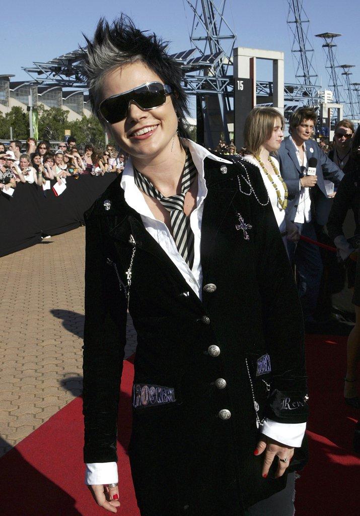 2005-Sarah-Macleod.jpg