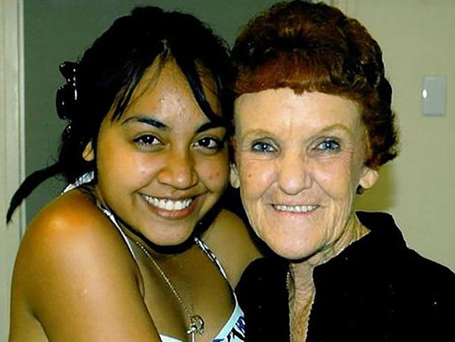 Jess Mauboy and her teacher Judy Weepers. Image via  news.com.au