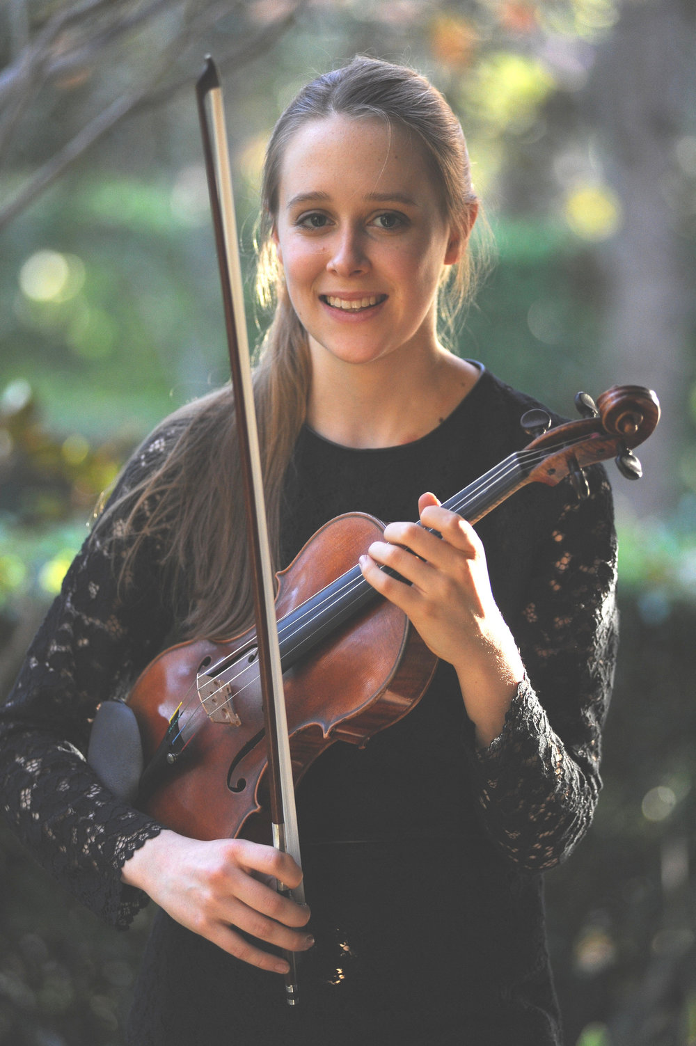 Grace Clifford, violinist.